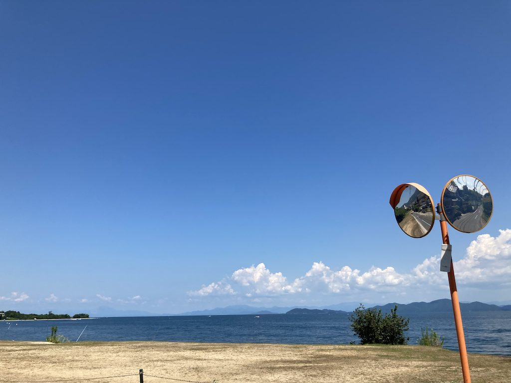 最寄り駅から琵琶湖までは徒歩0分!